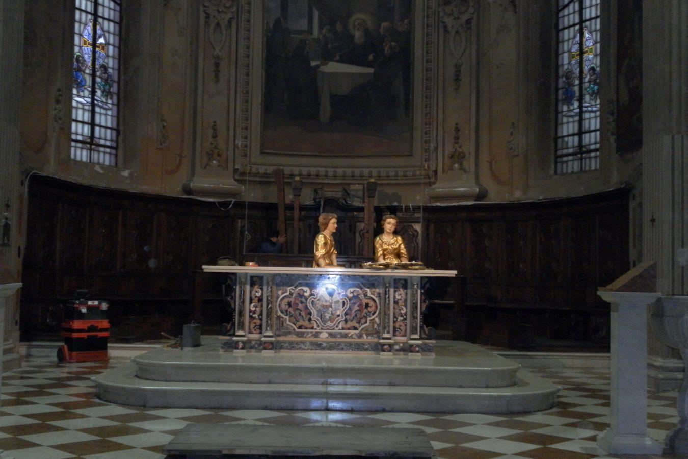"""PAVONE MELLA """"Iniziato il restauro del coro""""."""
