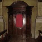 Confessionale in noce.Sec XVIII.Parrocchia S.S.Gervasio e Protasio