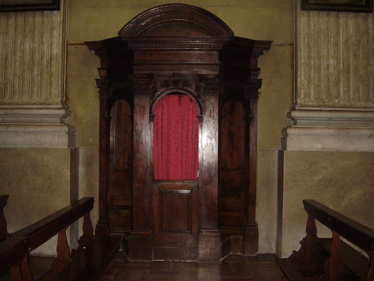 Restauro del confessionale della parrocchiale dei S.S.Gervasio e Protasio